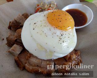 Foto 2 - Makanan(Paket Babi Sambal Matah + Nasi) di Ayam & B2 Panggang TGR 99 oleh @NonikJajan