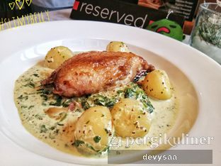 Foto 6 - Makanan di Harlow oleh Slimybelly