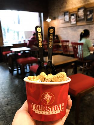 Foto - Makanan(Dark Chocolate Ice Cream) di Cold Stone Creamery oleh feedthecat