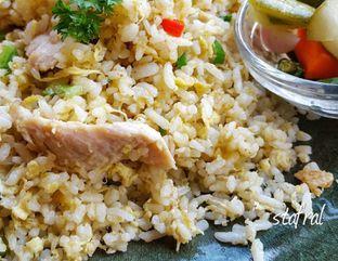 Foto 3 - Makanan(Chicken Fried Rice Sunda Kelapa) di Seribu Rasa oleh Stanzazone