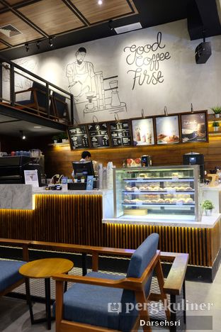 Foto 5 - Interior di Blue Lane Coffee oleh Darsehsri Handayani