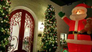 Foto 4 - Interior di Red Door Koffie House oleh YSfoodspottings