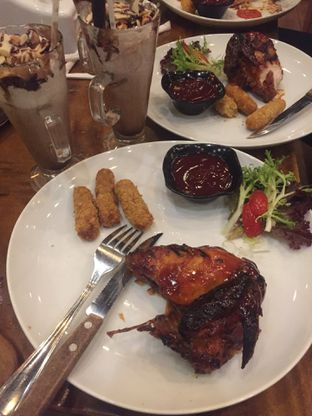 Foto 1 - Makanan(chicken rosemary) di Skyline oleh Silvia Dwiyanti