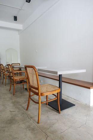 Foto 7 - Interior di Moro Coffee, Bread and Else oleh inggie @makandll