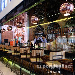 Foto 14 - Interior di Adamar Asian Bistro oleh Darsehsri Handayani