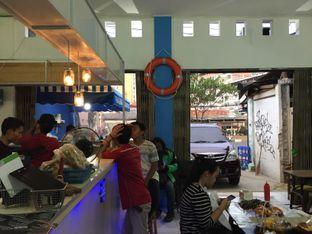 Foto 7 - Interior di Perang Kerang - Barbarian Seafood House Restaurant oleh gheasami