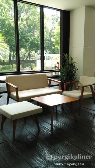 Foto 7 - Interior di Simetri Coffee Roasters oleh dinny mayangsari