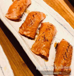 Foto 4 - Makanan(salmon aburi sushi) di Sushi Masa oleh Sienna Paramitha