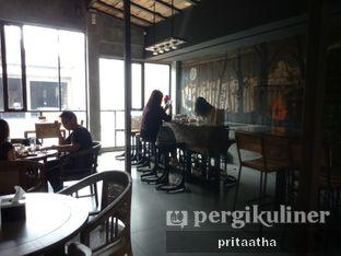 Foto 5 - Interior di Old Wood Bistro & Bar oleh Prita Hayuning Dias