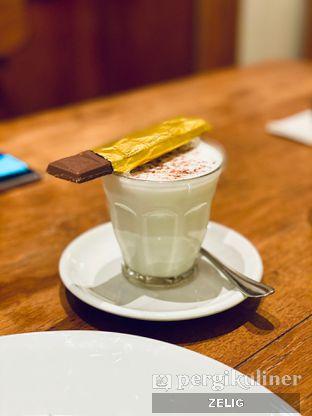 Foto 4 - Makanan(Chocolate Ole) di Benedict oleh @teddyzelig