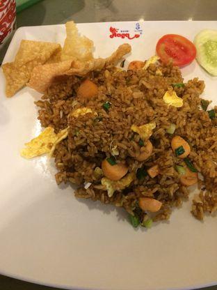 Foto 2 - Makanan(Nasi Goreng Sosis) di Bakmi Naga oleh Elvira Sutanto