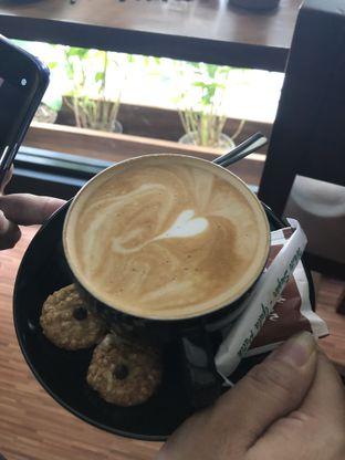 Foto 5 - Makanan di Lock On Coffee oleh Nanakoot