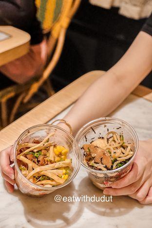 Foto 2 - Makanan di Naked Ramen oleh Eatwithdudut