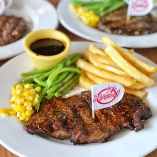 Foto review Holycow! STEAKHOUSE by Chef Afit oleh Stellachubby  2