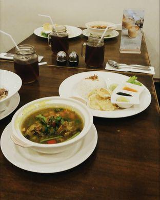 Foto 2 - Makanan(Garang Asem Iga) di Lake View Cafe oleh Elaine Josephine @elainejosephine