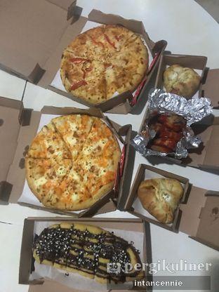 Foto 2 - Makanan di Domino's Pizza oleh bataLKurus