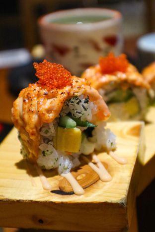 Foto 8 - Makanan di Sushi Matsu - Hotel Cemara oleh thehandsofcuisine