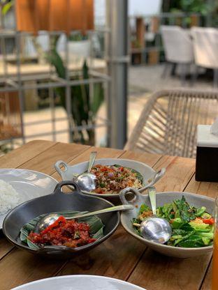 Foto 1 - Makanan di Akasya Teras oleh Isabella Chandra