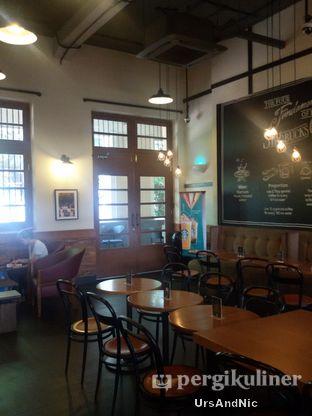 Foto 6 - Interior di Starbucks Coffee oleh UrsAndNic