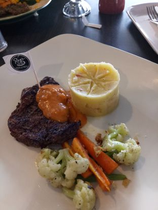 Foto 1 - Makanan di RAY'S Steak & Grill oleh Namira