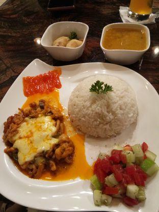 Foto 6 - Makanan di Yildizlar Restaurant & Coffee Shop oleh Yeni Chiem