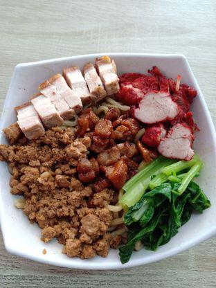 Foto 2 - Makanan di Bakmi Karet Asiu oleh Jocelin Muliawan