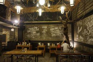 Foto review Warung Wan - Tongkrongan Roti Bakar oleh yudistira ishak abrar 20