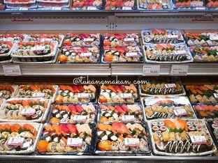 Foto review Sushi & Sashimi oleh tukangmakan_com 1