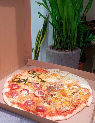 Foto 4 - Makanan di One Eight Pizza Joint oleh yudistira ishak abrar