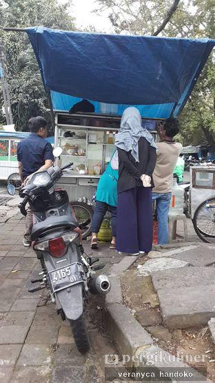 Foto 4 - Interior(Nah, ini penampakan gerobaknya dr bagian belakang.) di Lumpia & Seblak Mang Iwan oleh Veranyca Handoko