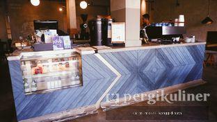 Foto 2 - Interior di Calibrate Coffee oleh Oppa Kuliner (@oppakuliner)