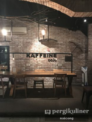 Foto 7 - Interior di Kaffeine oleh Icong