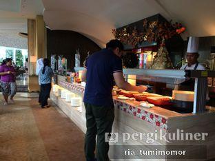 Foto 4 - Interior di The Cafe - Hotel Mulia oleh Ria Tumimomor