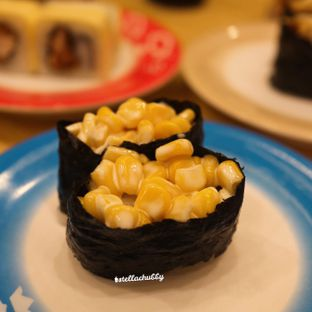 Foto review Sushi King oleh Stellachubby  5