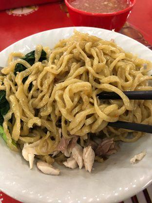 Foto 2 - Makanan di Mie Ayam Alot (Aheng) oleh Budi Lee