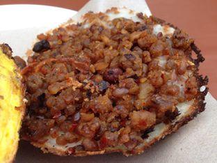Foto 1 - Makanan(Oncom Special) di Surabi Cihapit Tradisional oleh awakmutukangmakan