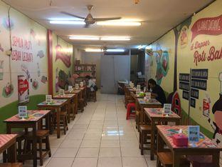 Foto 10 - Interior di Dapoer Roti Bakar oleh yudistira ishak abrar