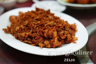 Foto 4 - Makanan(Ayam Goreng Kering Saus Udang) di Gunung Mas oleh @teddyzelig