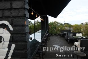 Foto 7 - Interior di Level 03 Rooftop & Grill by Two Stories oleh Darsehsri Handayani