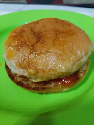 Foto review Burger Bangor oleh catgoesmiawyaw  4