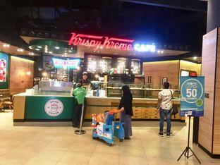 Foto 2 - Interior di Krispy Kreme Cafe oleh Prido ZH