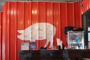 Foto 6 - Interior di The Fat Pig oleh thehandsofcuisine