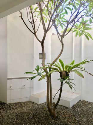 Foto 30 - Interior di Simetri Coffee Roasters oleh Prido ZH