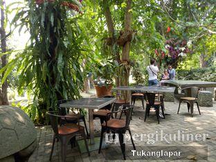 Foto 18 - Eksterior di Grand Garden Cafe & Resto oleh Nefinafila