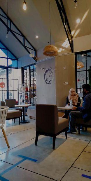 Foto review Roemah Coffee Eatery & Hub oleh yukjalanjajan  8