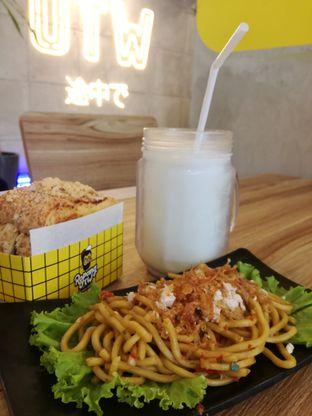 Foto 3 - Makanan di OTW Food Street oleh Lili Alexandra