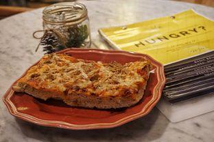 Foto 4 - Makanan(Tuna Pizza) di Baker Street oleh Fadhlur Rohman