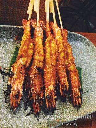 Foto 2 - Makanan(prawn satay) di Botanika oleh @supeririy