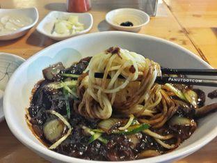 Foto 1 - Makanan(Jjajang Myeon) di Holy Noodle oleh Stefanus Mutsu