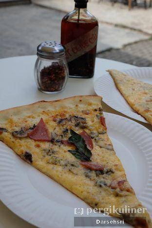 Foto 2 - Makanan di Pizzza Dealer oleh Darsehsri Handayani